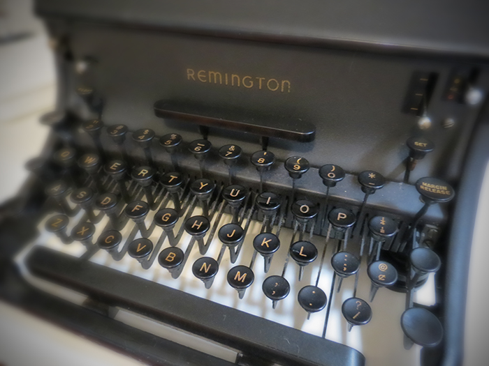 Vintage_remington_typewriter